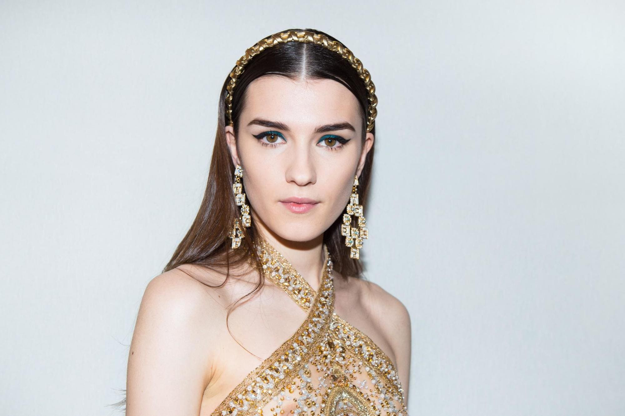 young model wearing headband hairstyle