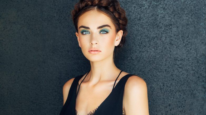 different hairstyles for face shapes halo braid brunette woman