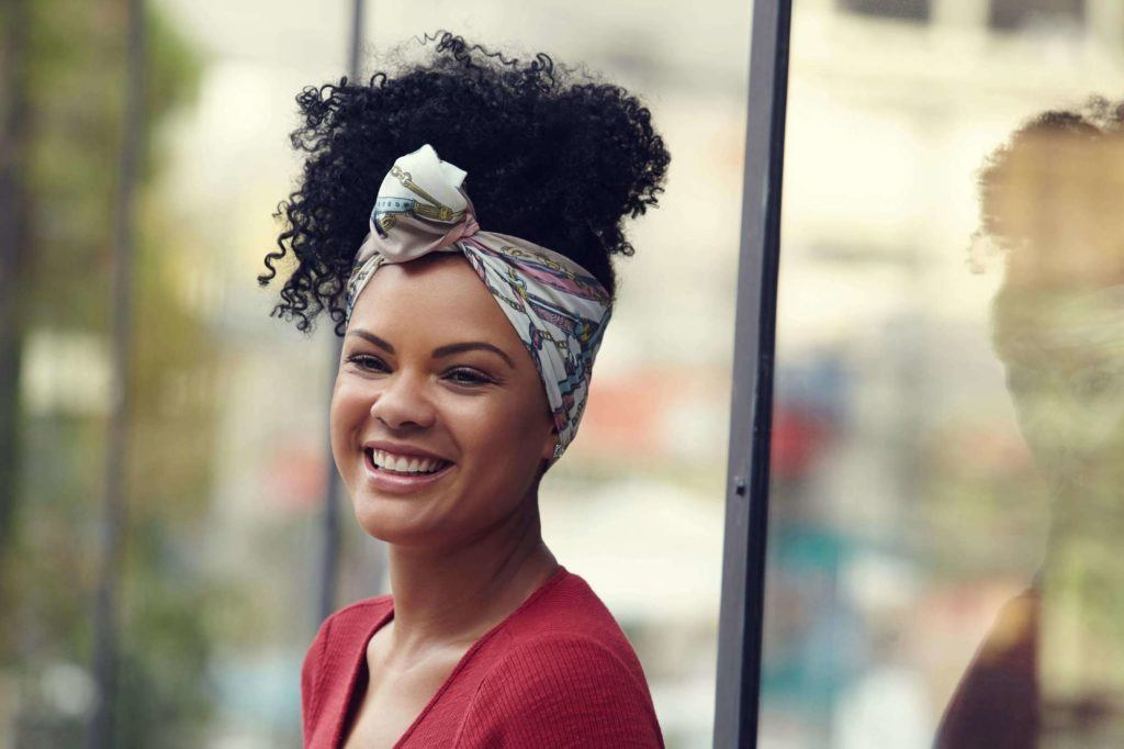 easy natural hairstyles: pineapple