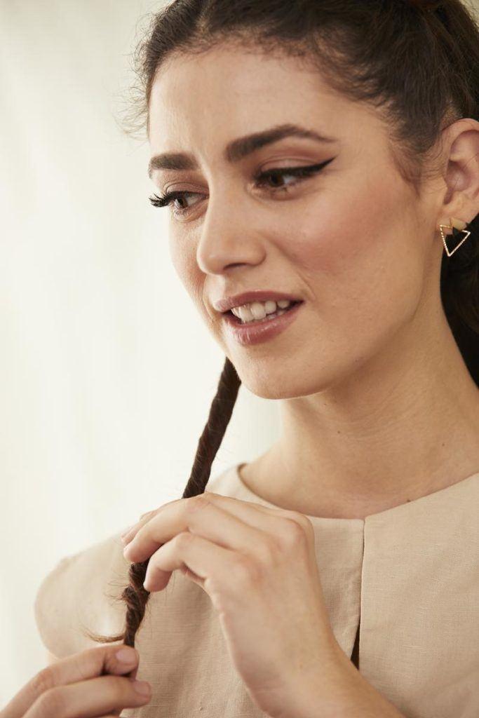 how to dust hair: twirl hair