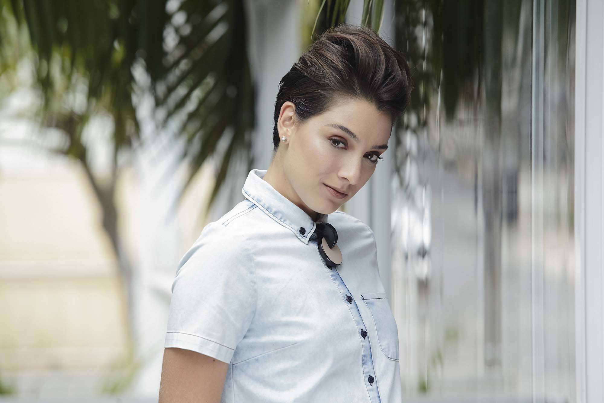 pompadour fancy hairstyles for short hair