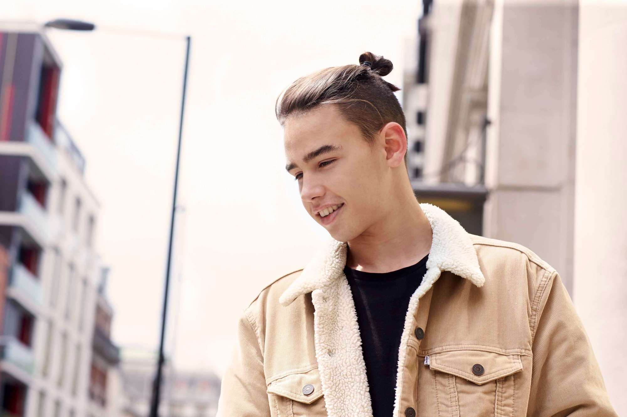 how to grow out your undercut with a man bun