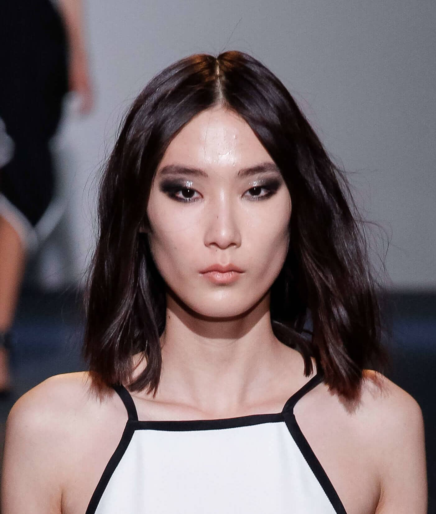 short haircuts for 2019 asian lob wavy middle part