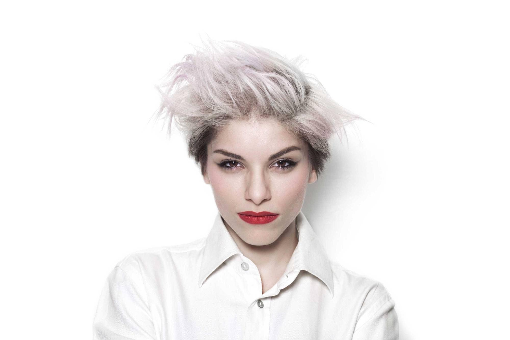 short spiky haircuts for women: platinum blonde hairstyle