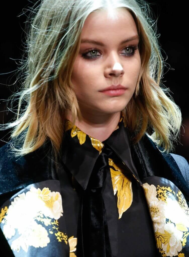 short wavy hair with layeres