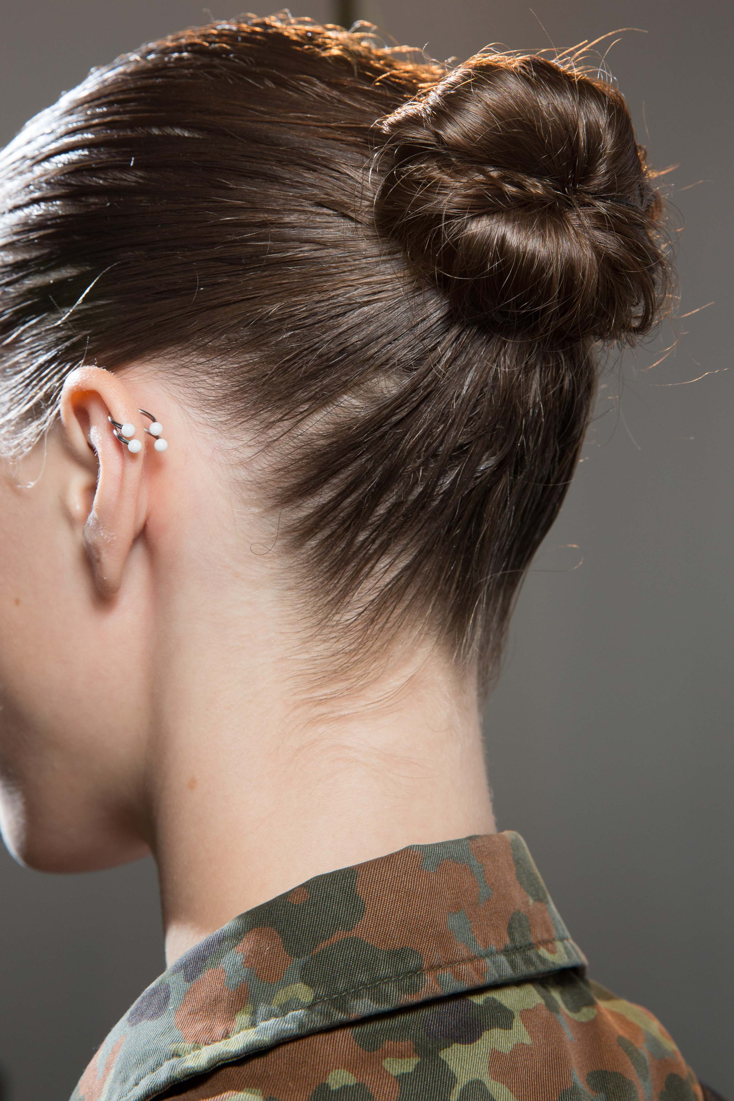 Simple updo ideas you can wear to prom. The ballerina bun.