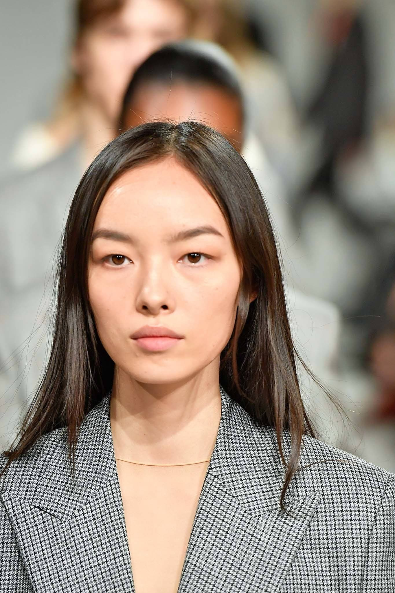 how to get the sleek hair trend for spring