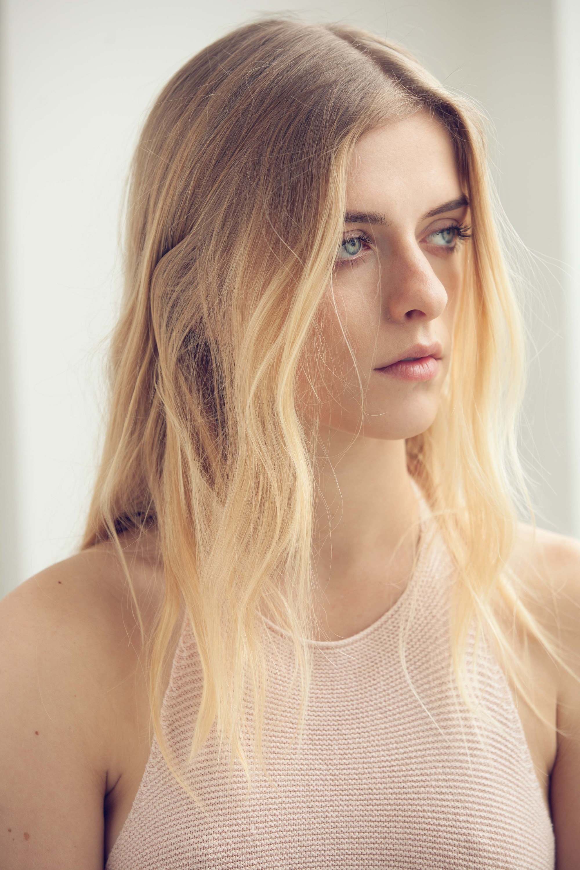 A beachy blonde Spring Ombre looks natural and effortless.