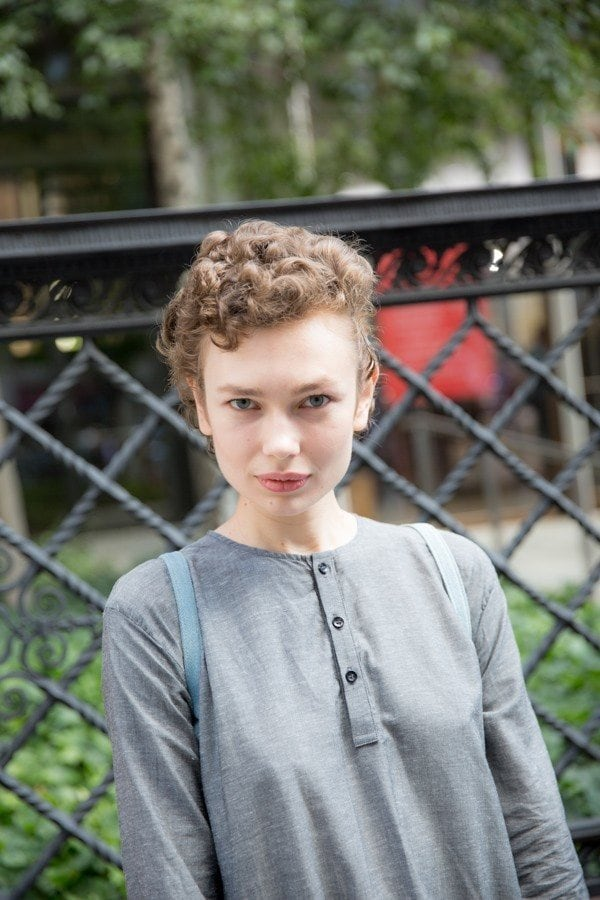 updos for short hair with short curls