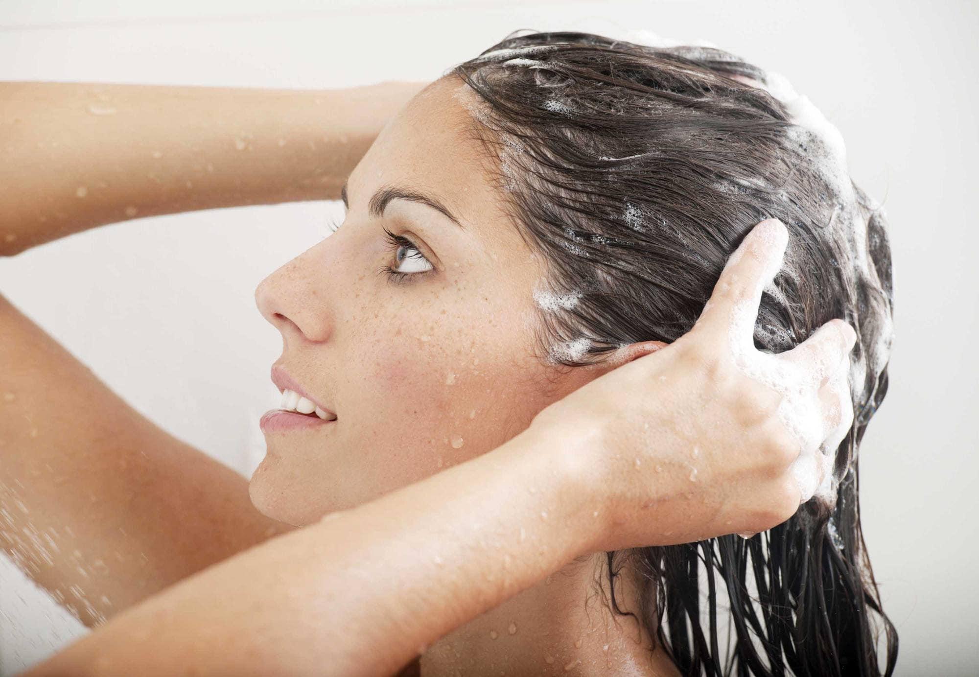 moisturizing shampoo washing brunette hair