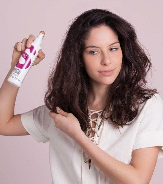 hidden braid hair tutorial: use a detangler