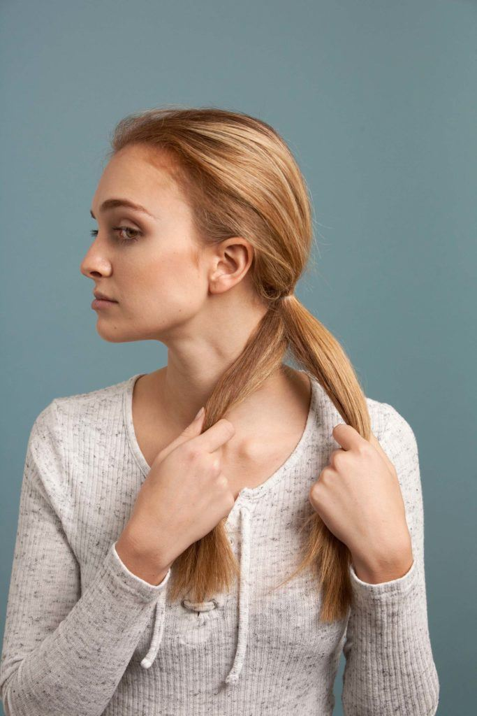 how to make an inverted fishtail braid: repeat