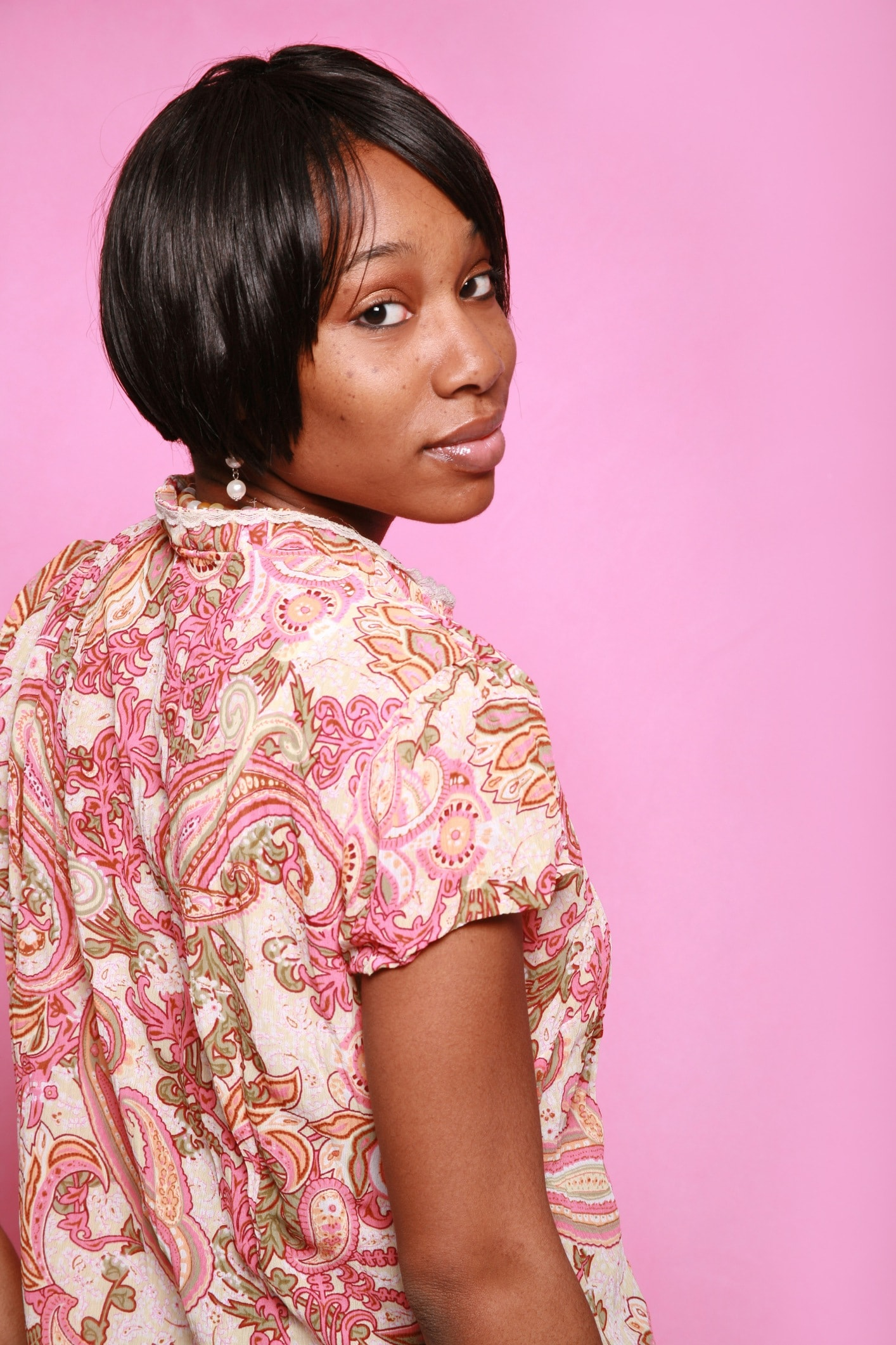rounded short weave hairstyles