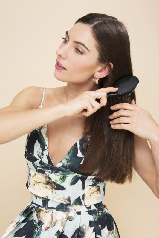 how to do a simple braid by prepping with a brush