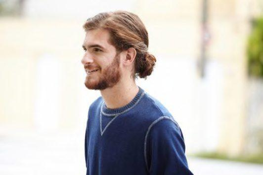 how to do a man bun in a twisted hairstyle