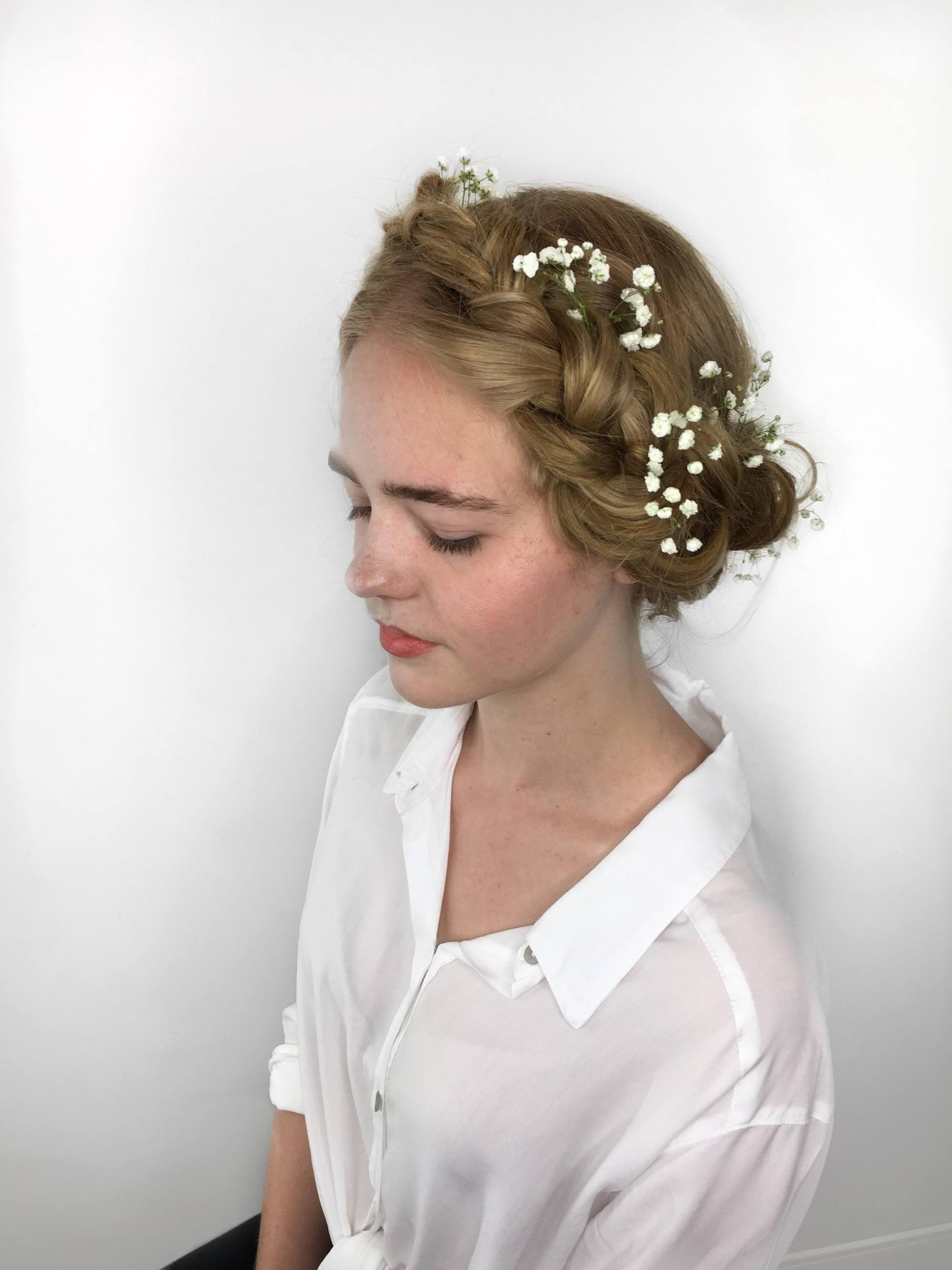 spring hair accessories of baby's breath for wedding hair