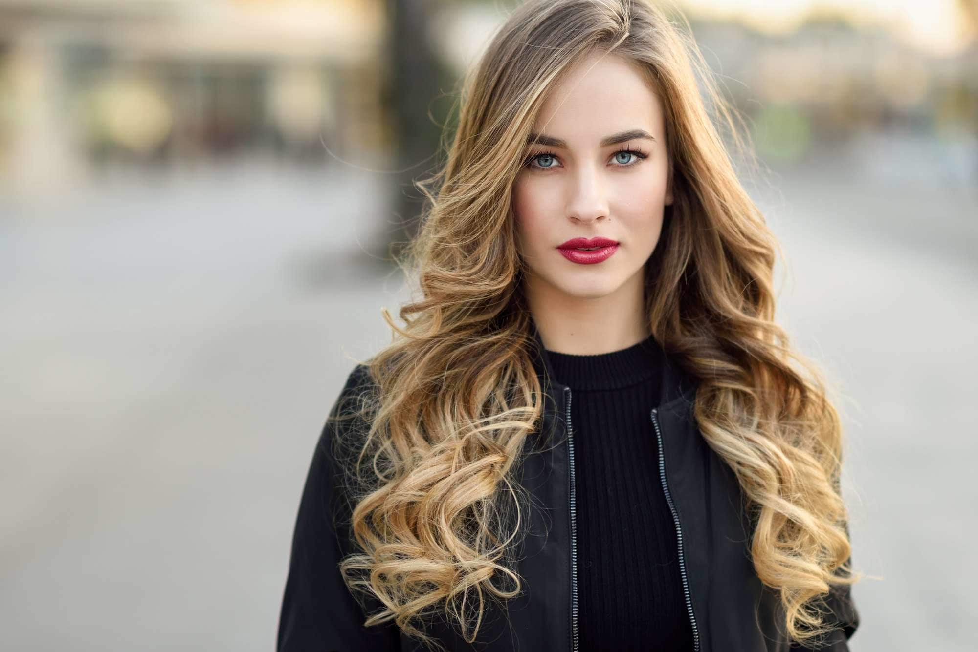 Balayage Curly Hair 50 Of The Best Looks For 2020 All Things Hair Us