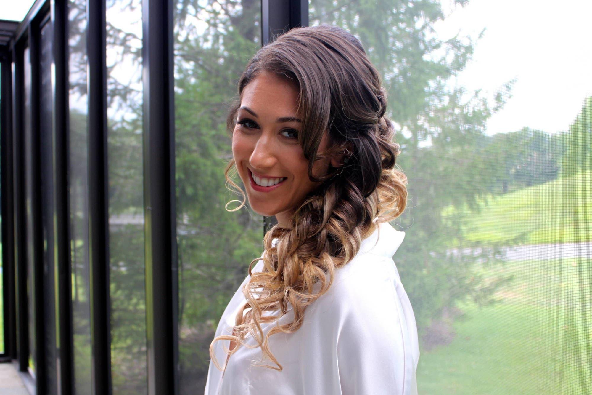 high-contrast balayage curly hair