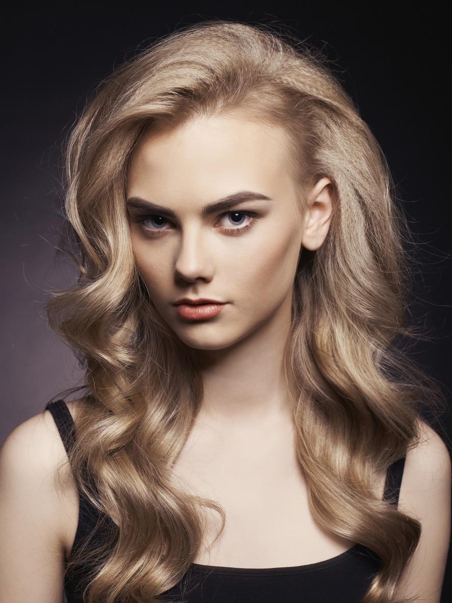 bronde balayage curly hair
