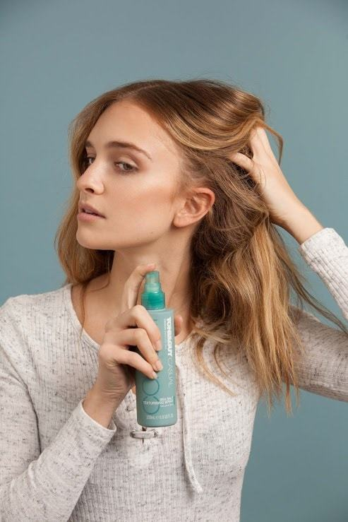 spray sea salt spray to achieve beach waves hair