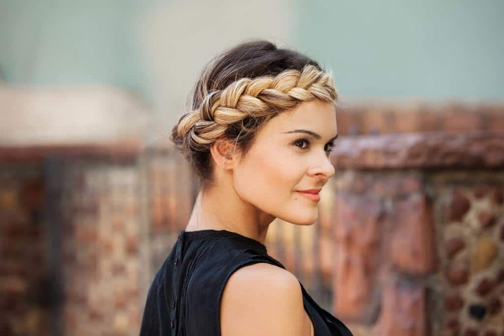 black and blonde ombre halo braid