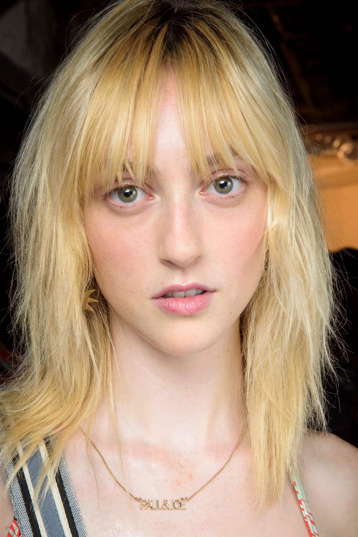 monotone blonde shag haircut
