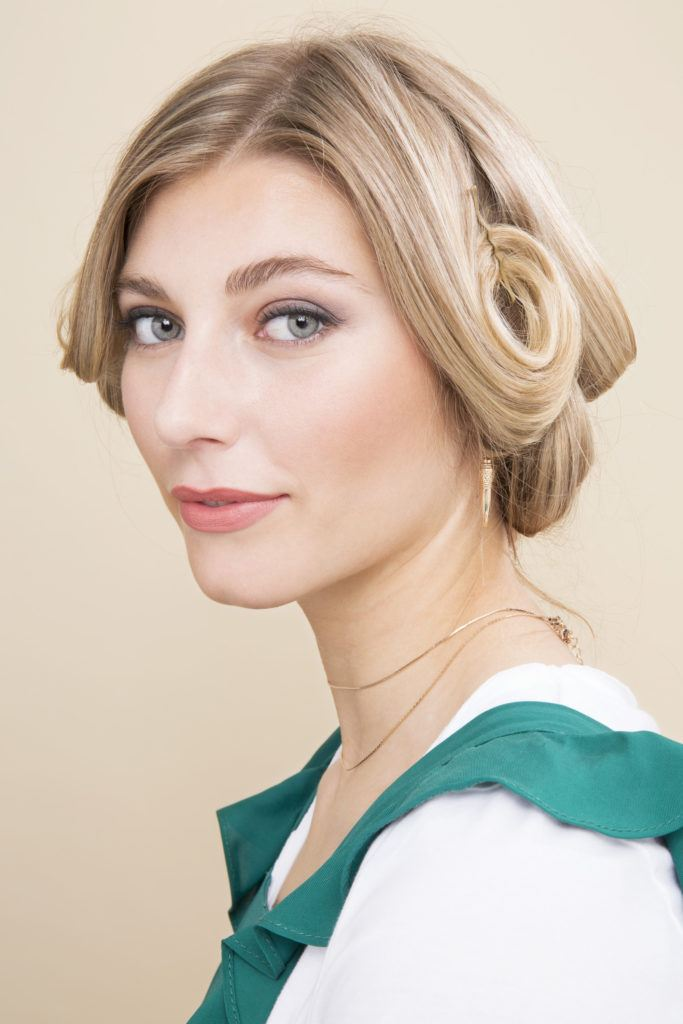 soft retro curls: pin curl