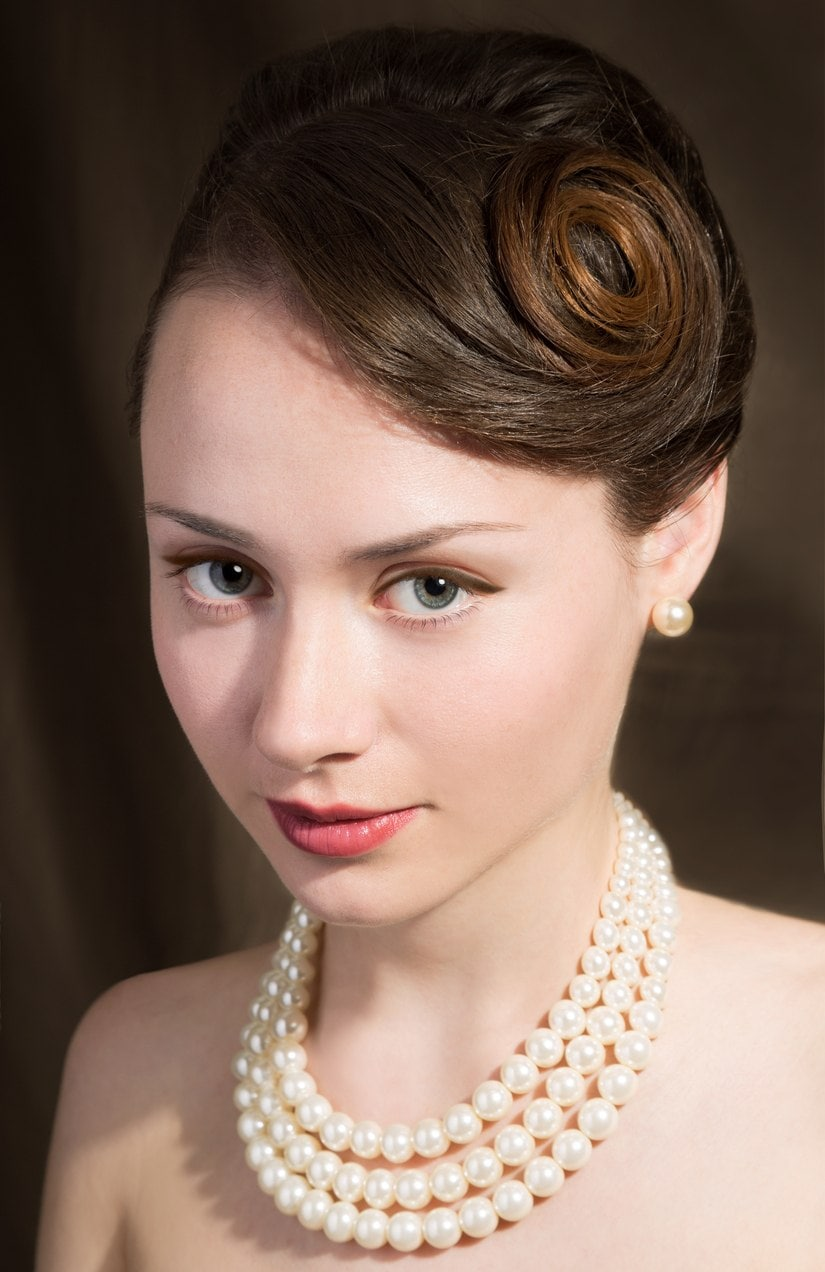 pinned curls flapper hairstyles