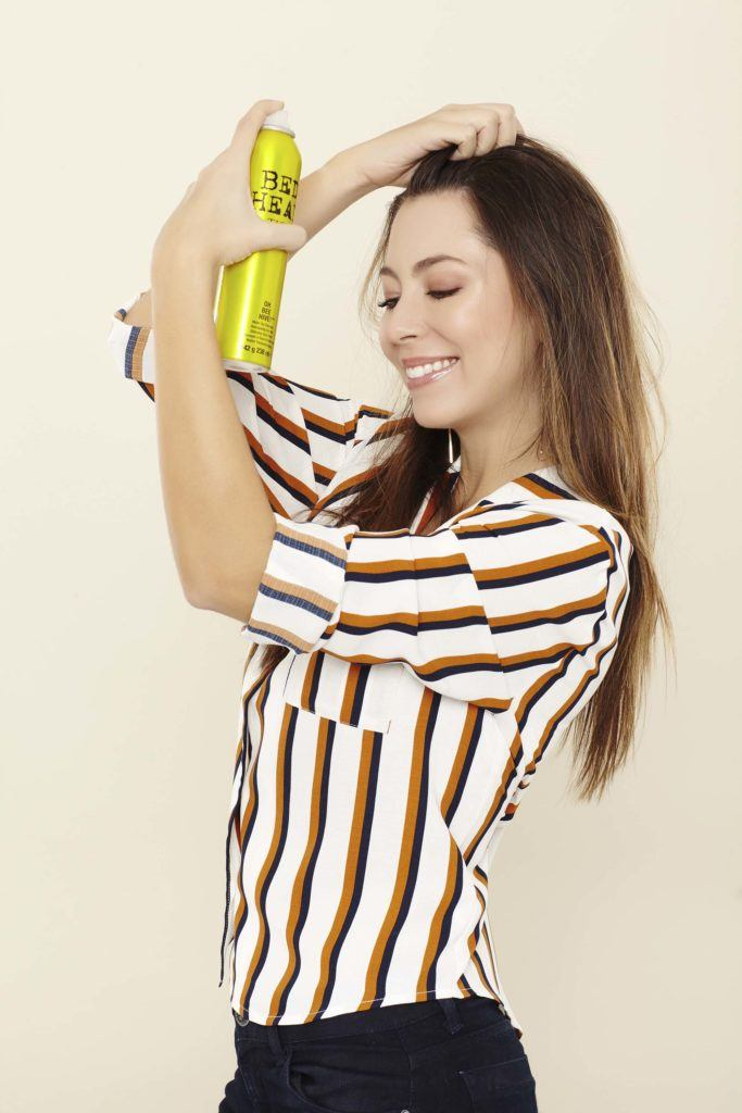 how to backcomb hair by refreshing with dry shampoo
