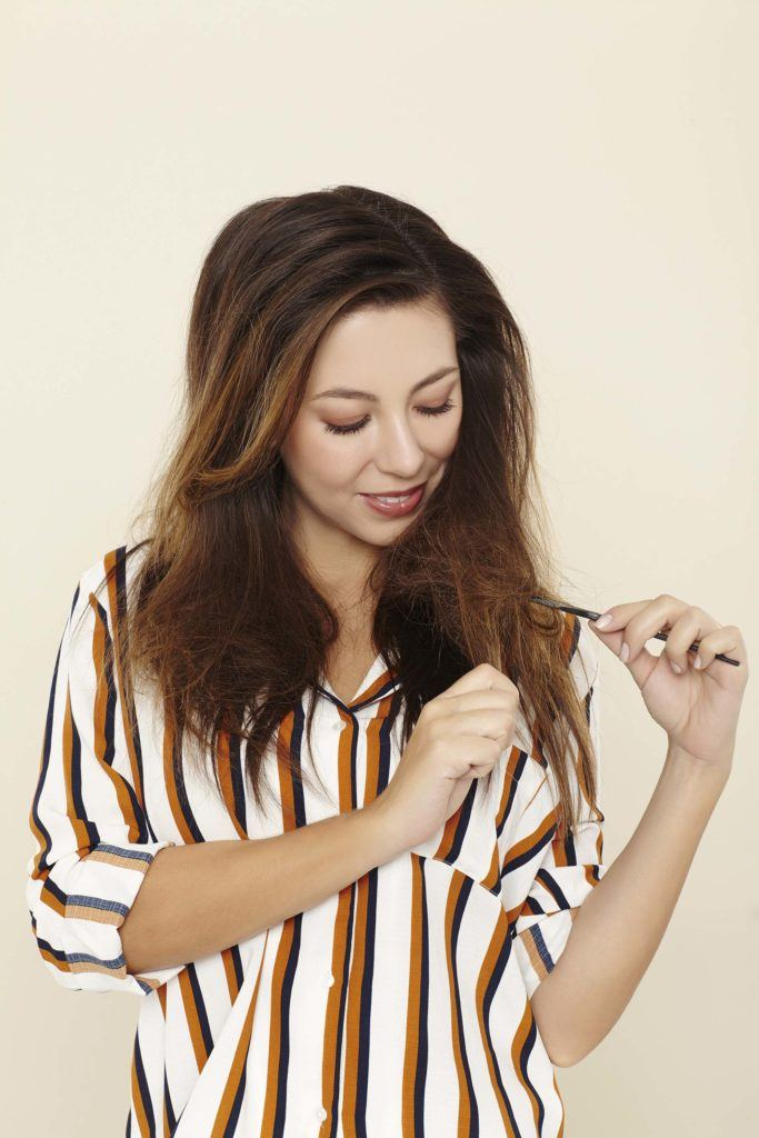 how to backcomb hair and smooth ends