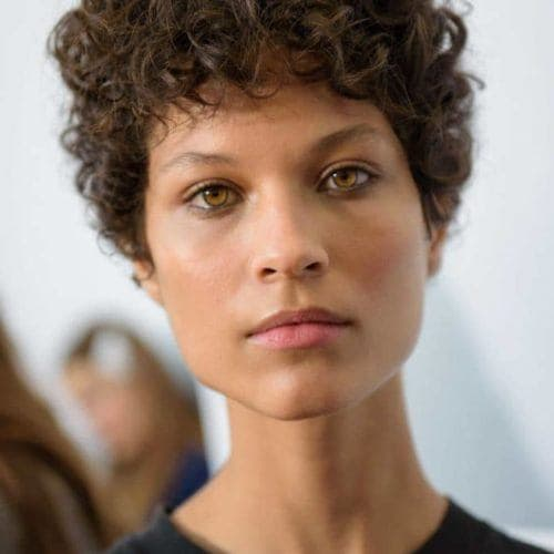 Short Haircuts For Curly Hair 24 Short Cuts For Any Curl