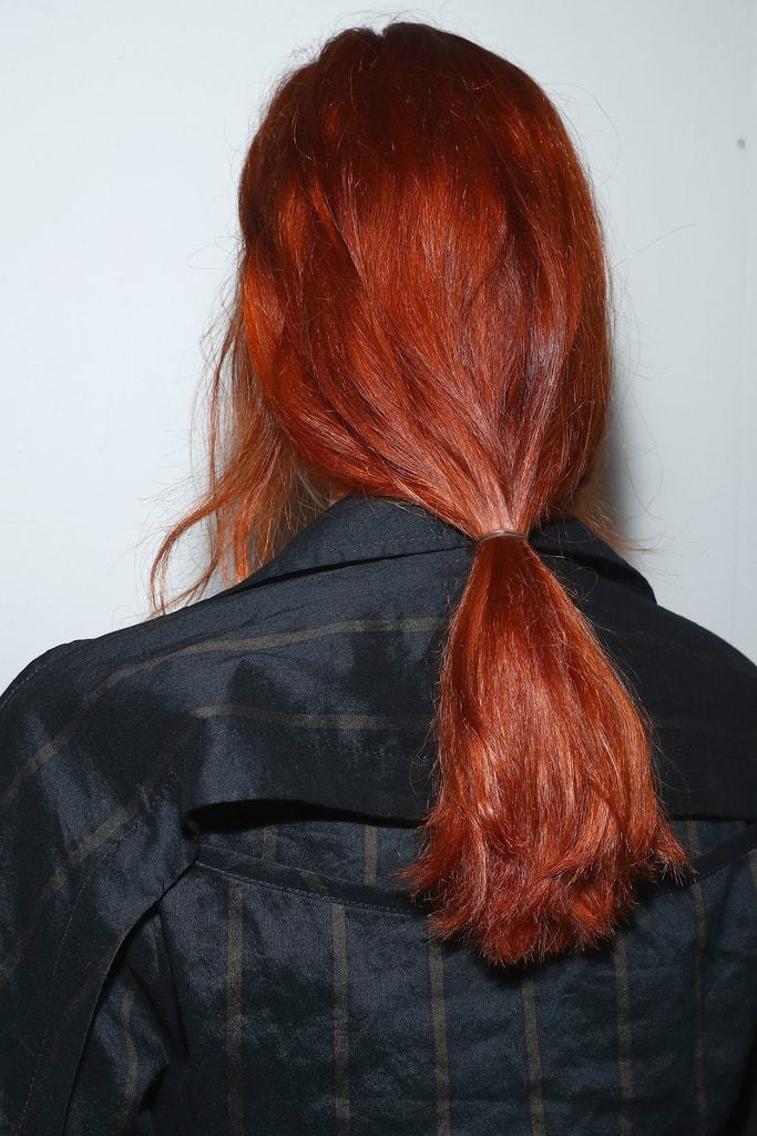 easy ponytail nyfw model with red hair