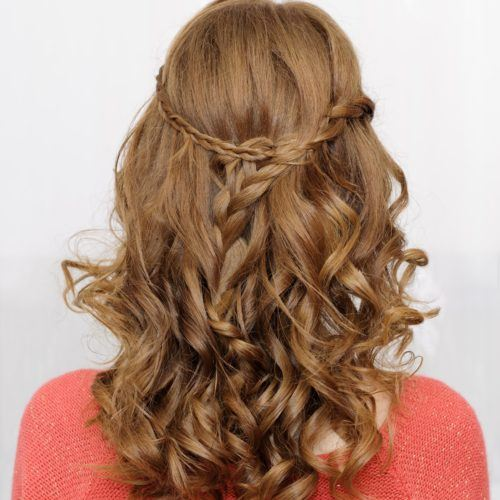 15 Hairdos for Curly Hair You Can Create in Under 5 Minutes
