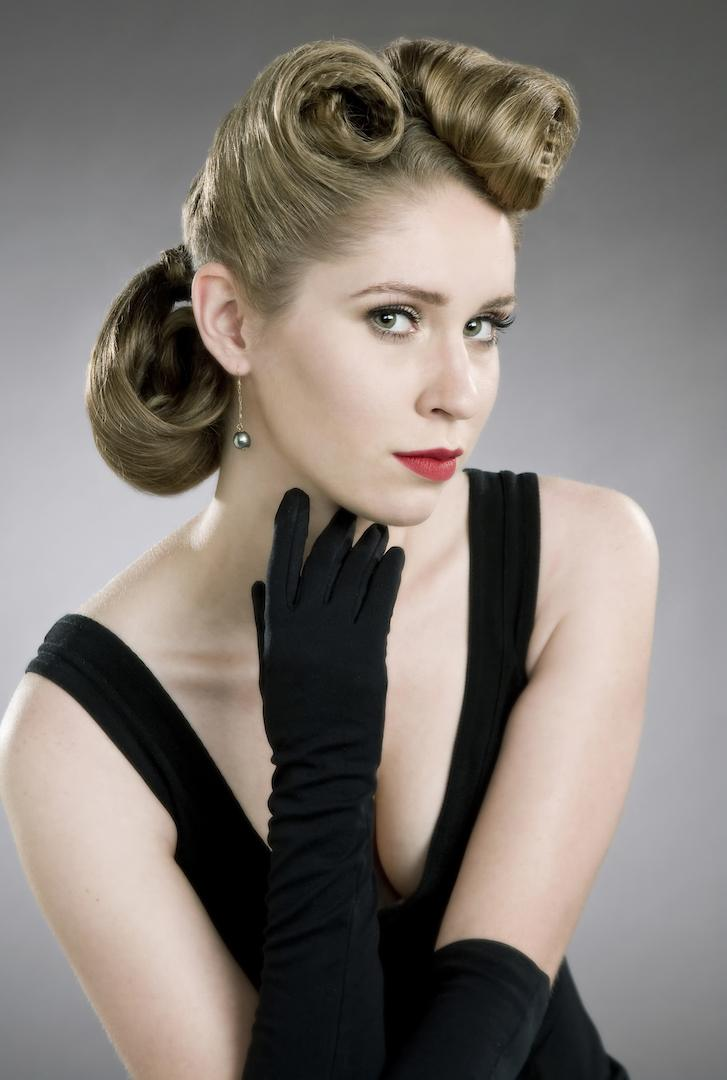 50s hairstyles: victory rolls