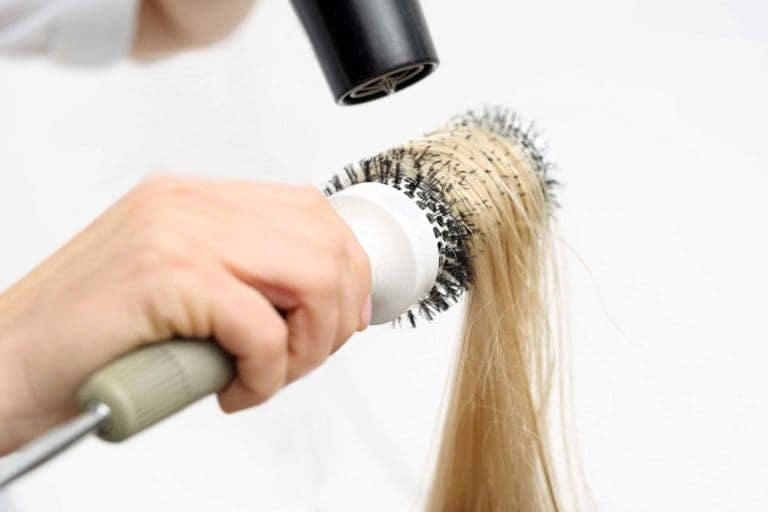 chemically straighten hair blowdryer