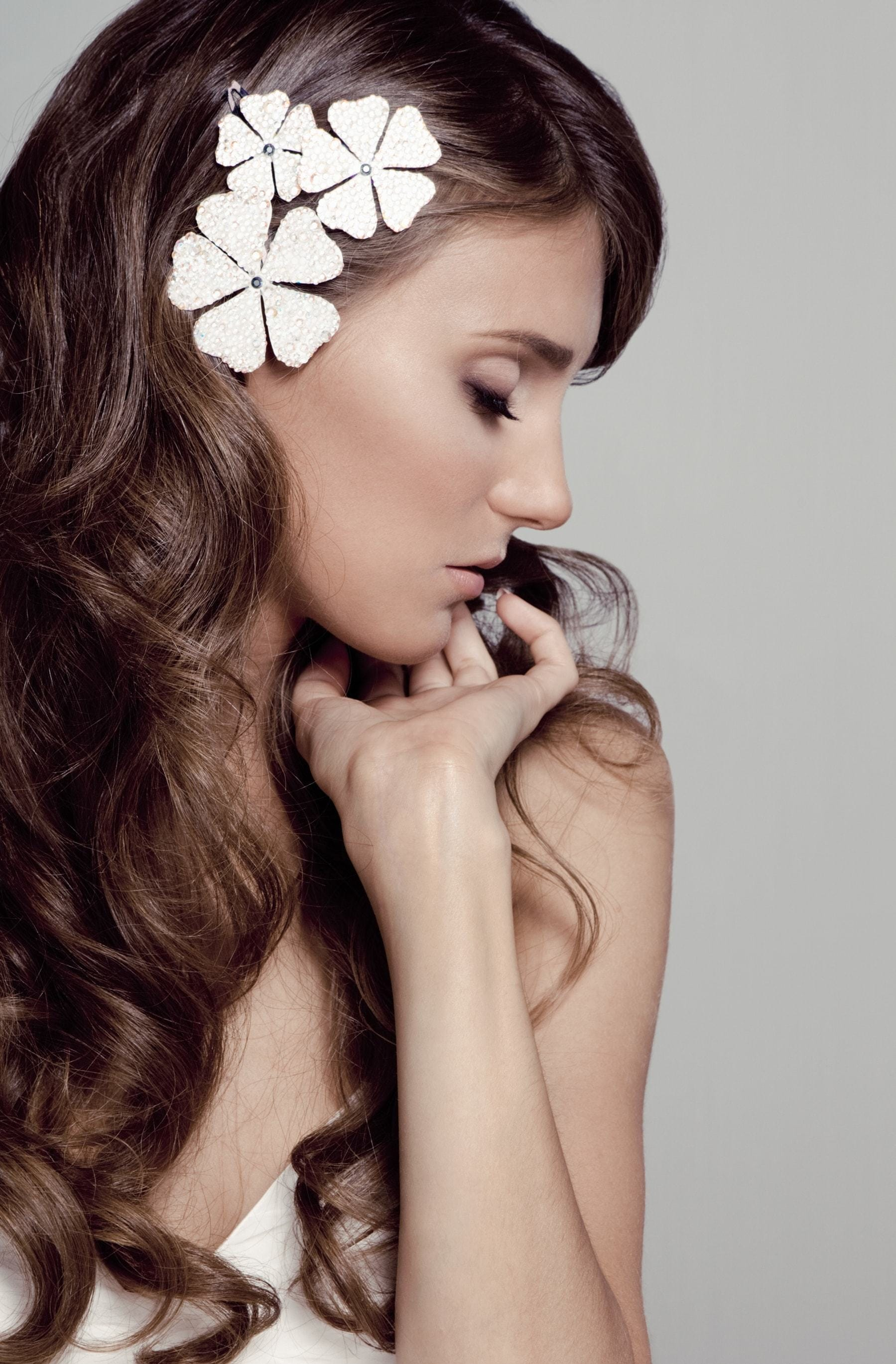 flower girl hairstyles modern accessory