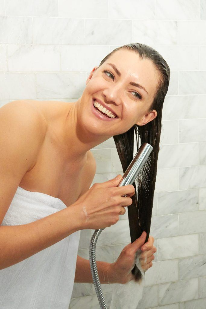 how to wash your hair rinse with cool water