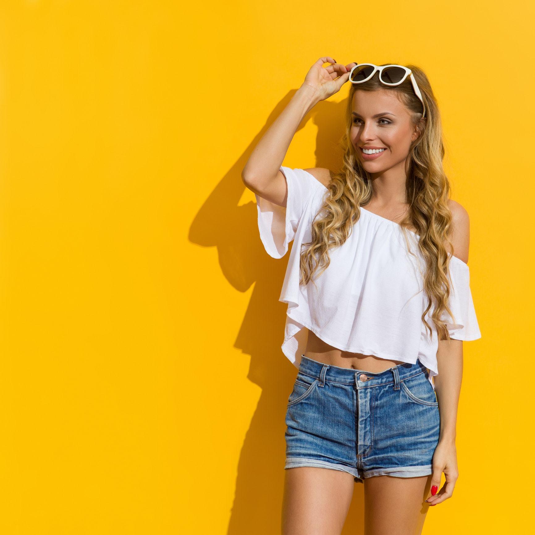 loose perm honey blonde long curls