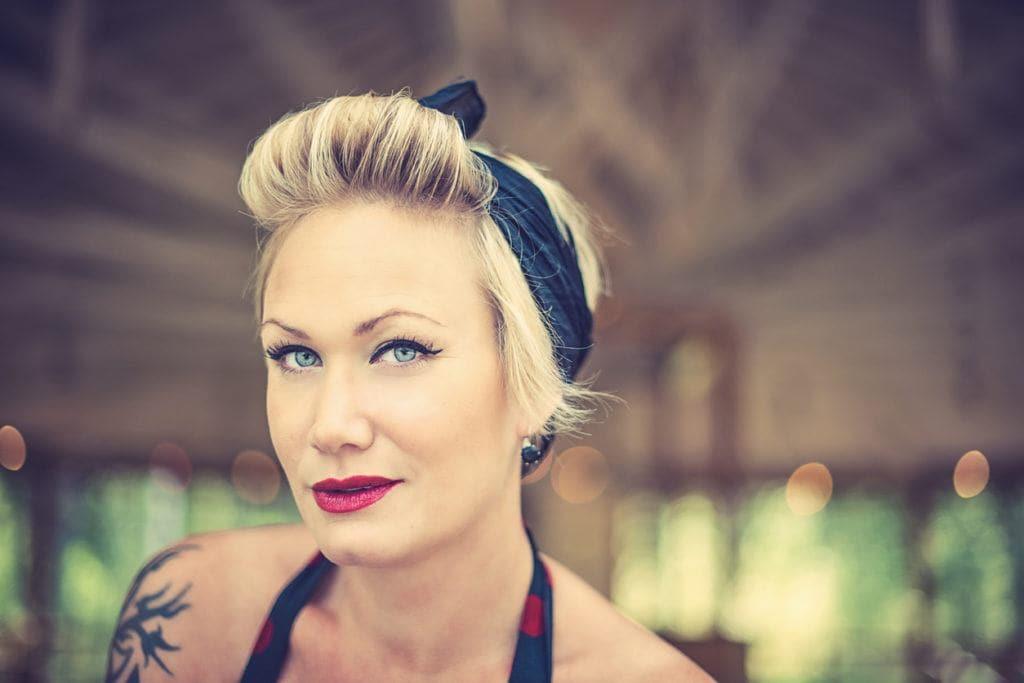 rockabilly hairstyles blonde