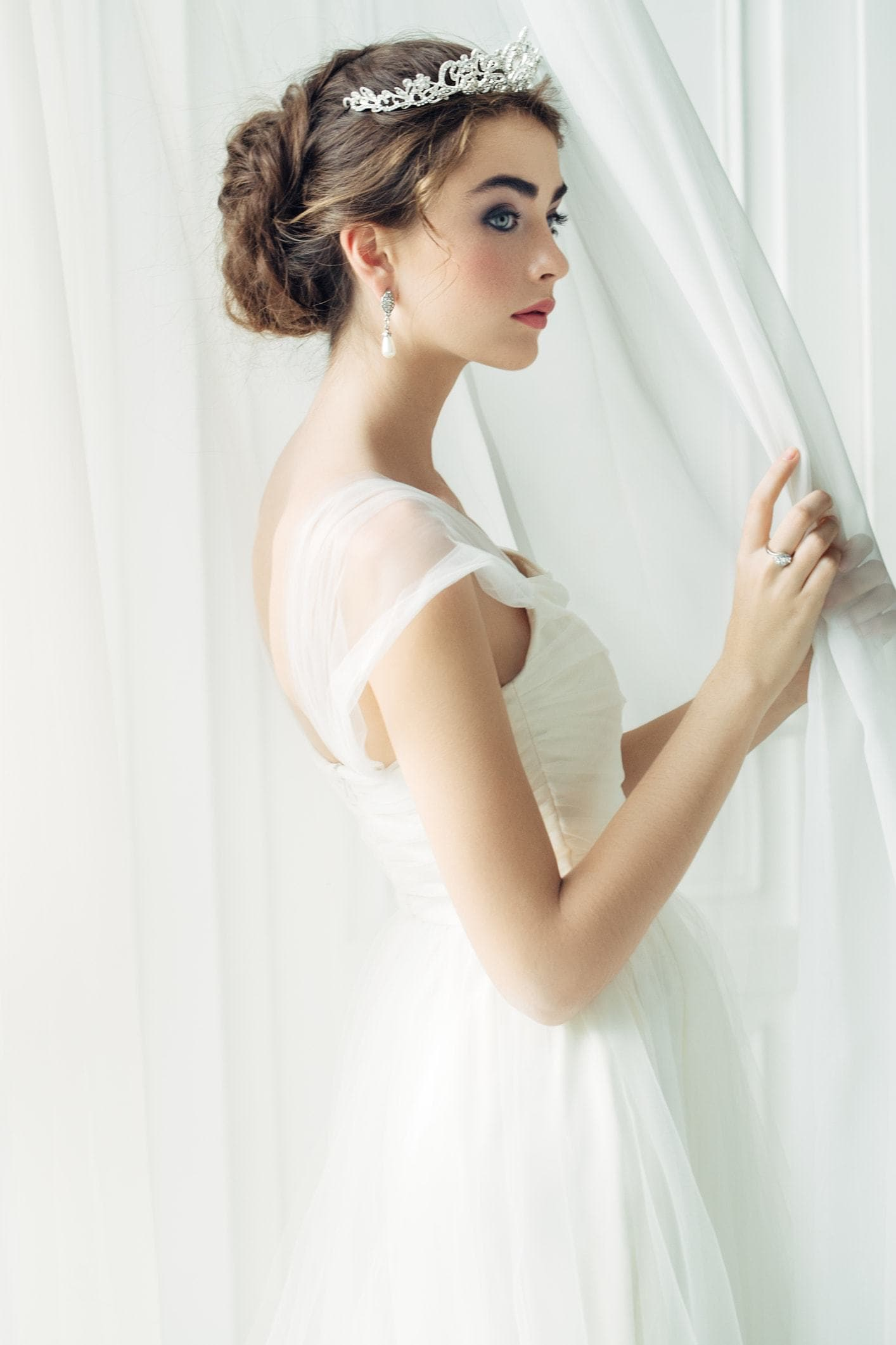 hairstyles with tiara front low updo