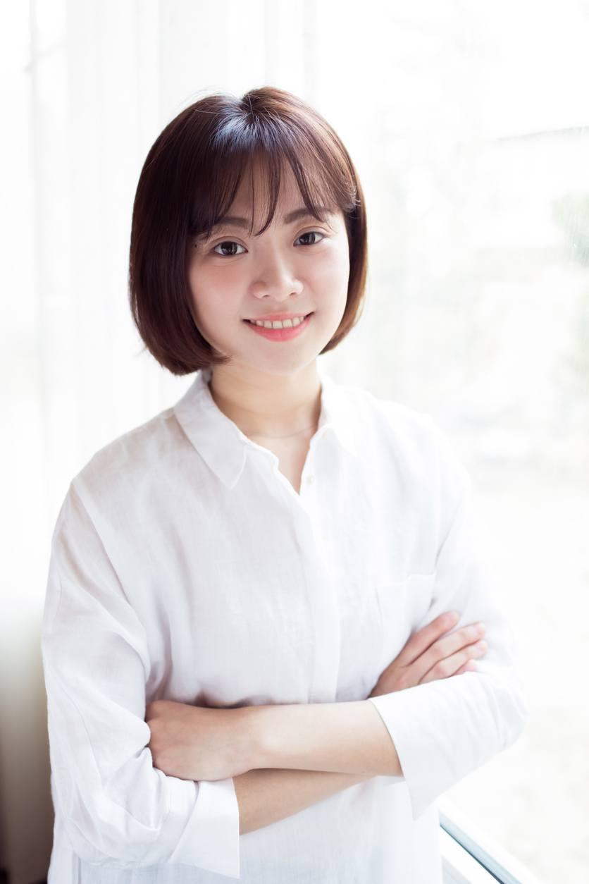 see-through bangs Korean short hairstyles
