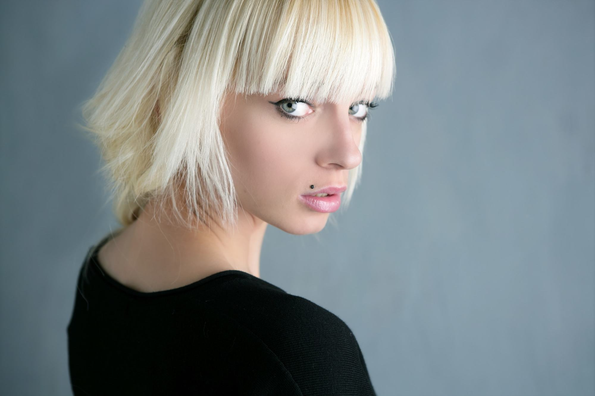 short bangs bleach blonde blunt