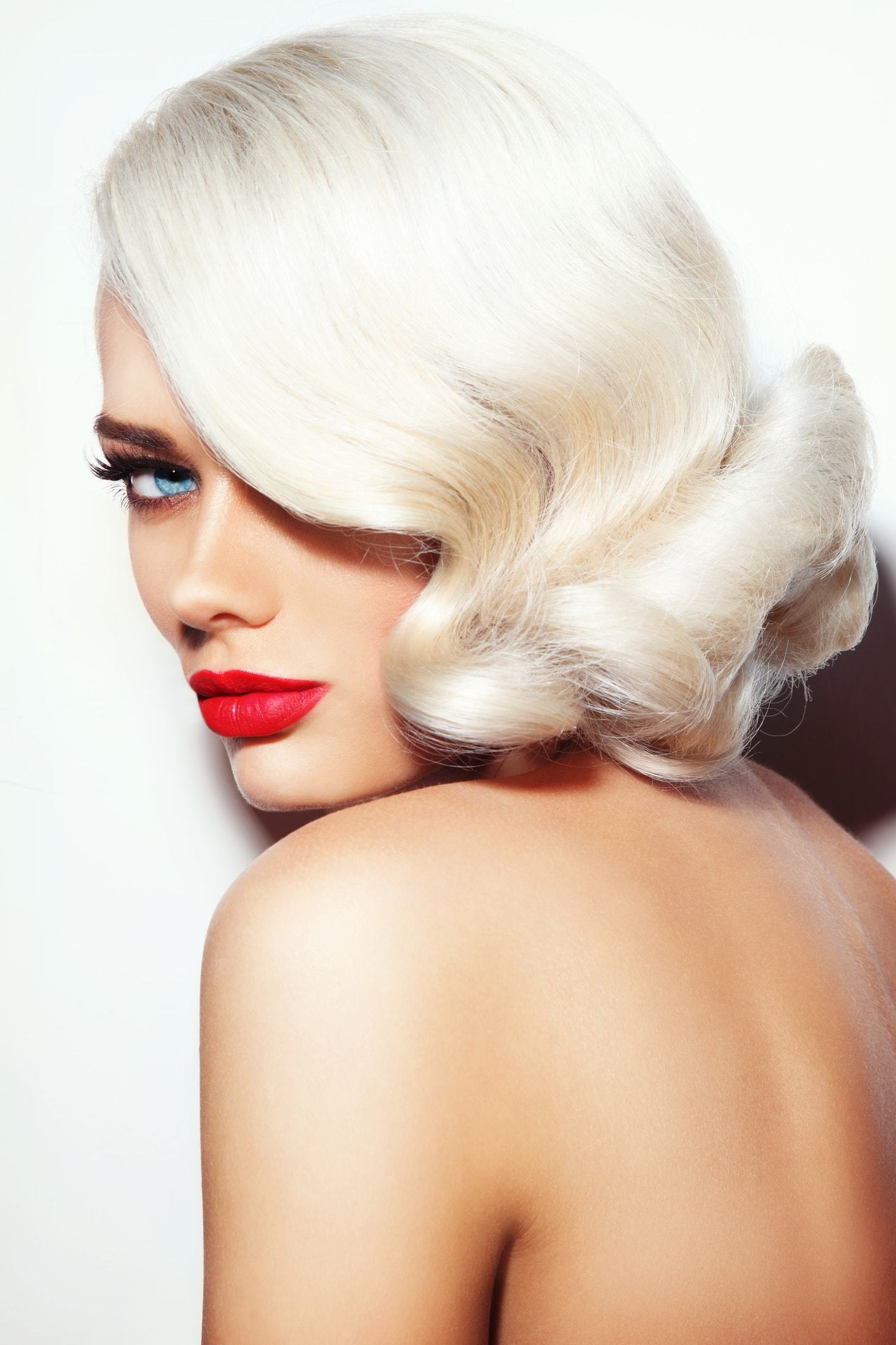 vintage hairstyles for curly hair platinum bob