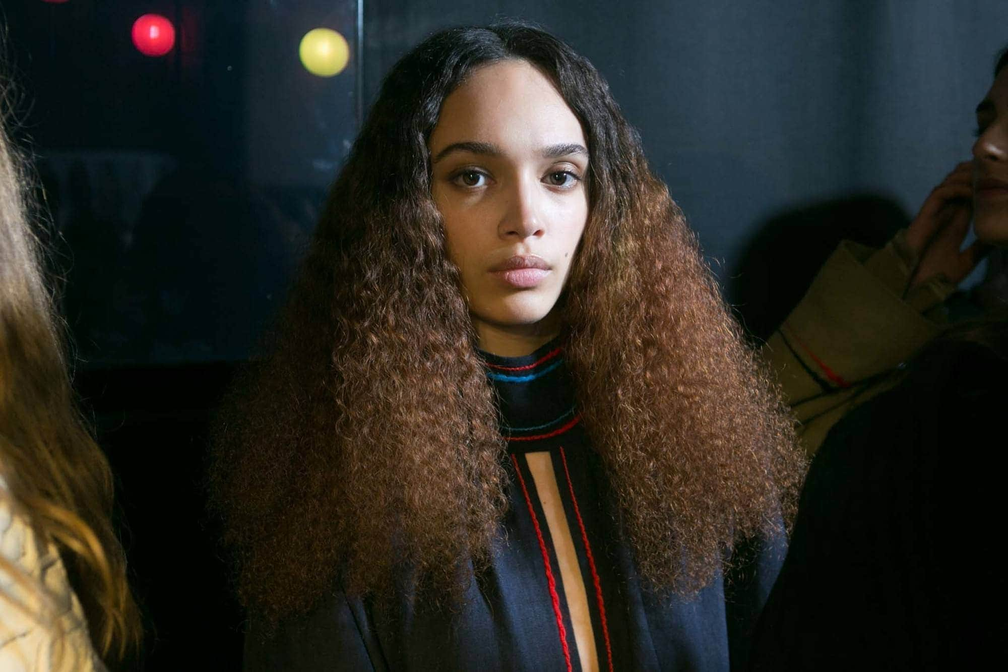 two tone hair kinky curls