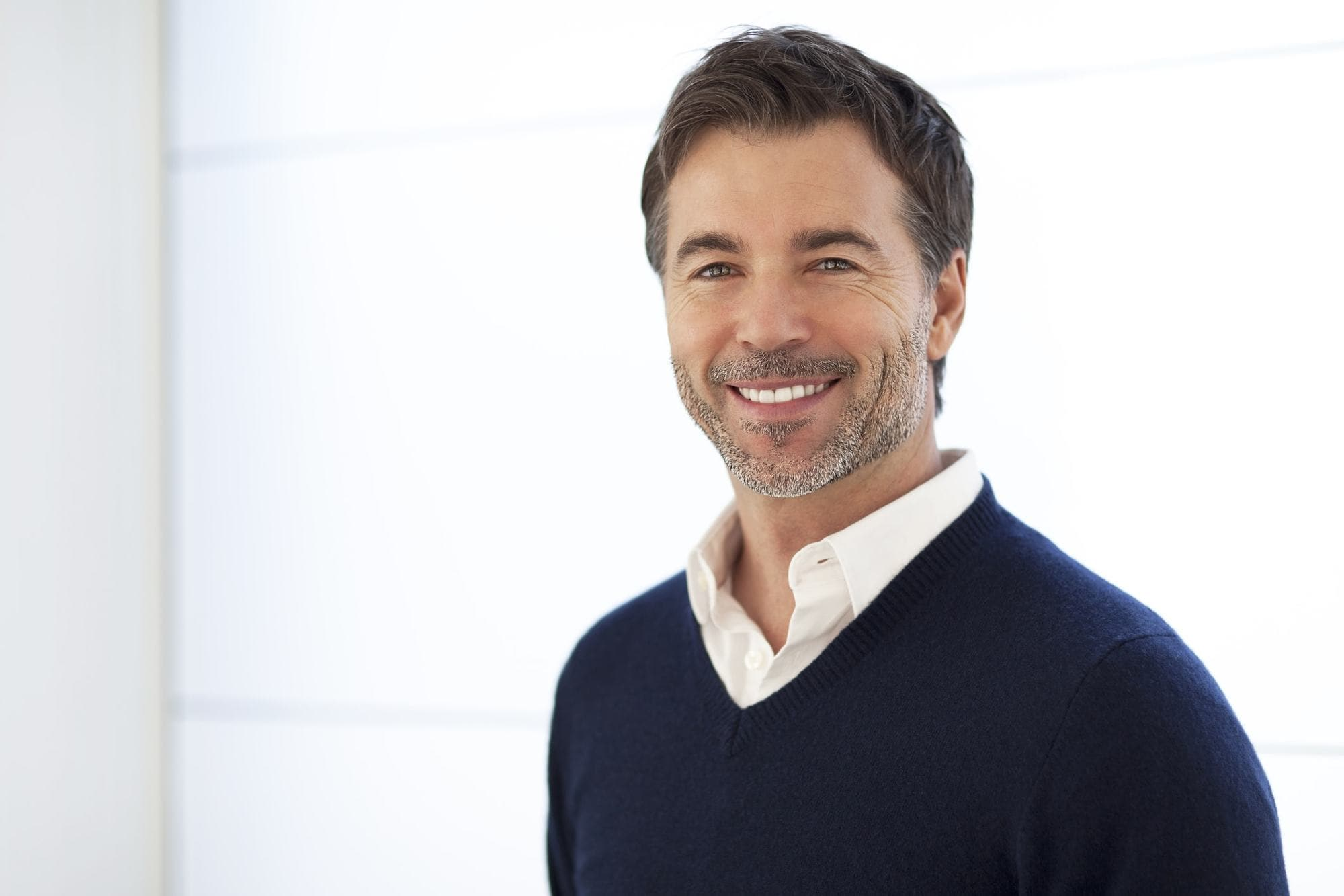 15 Timeless Hairstyles for Men Over 40