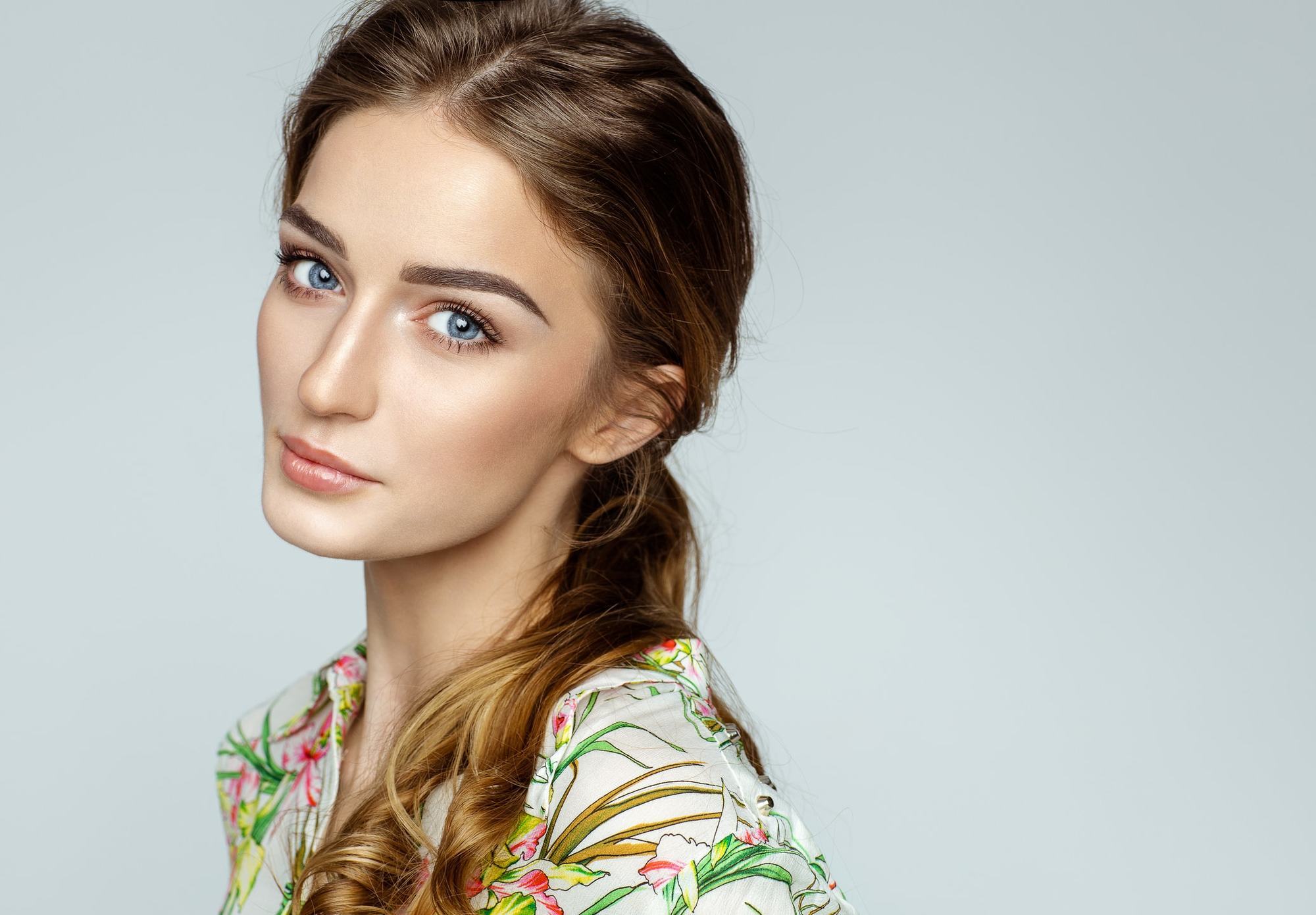 hairstyles for oblong faces tousled ponytail