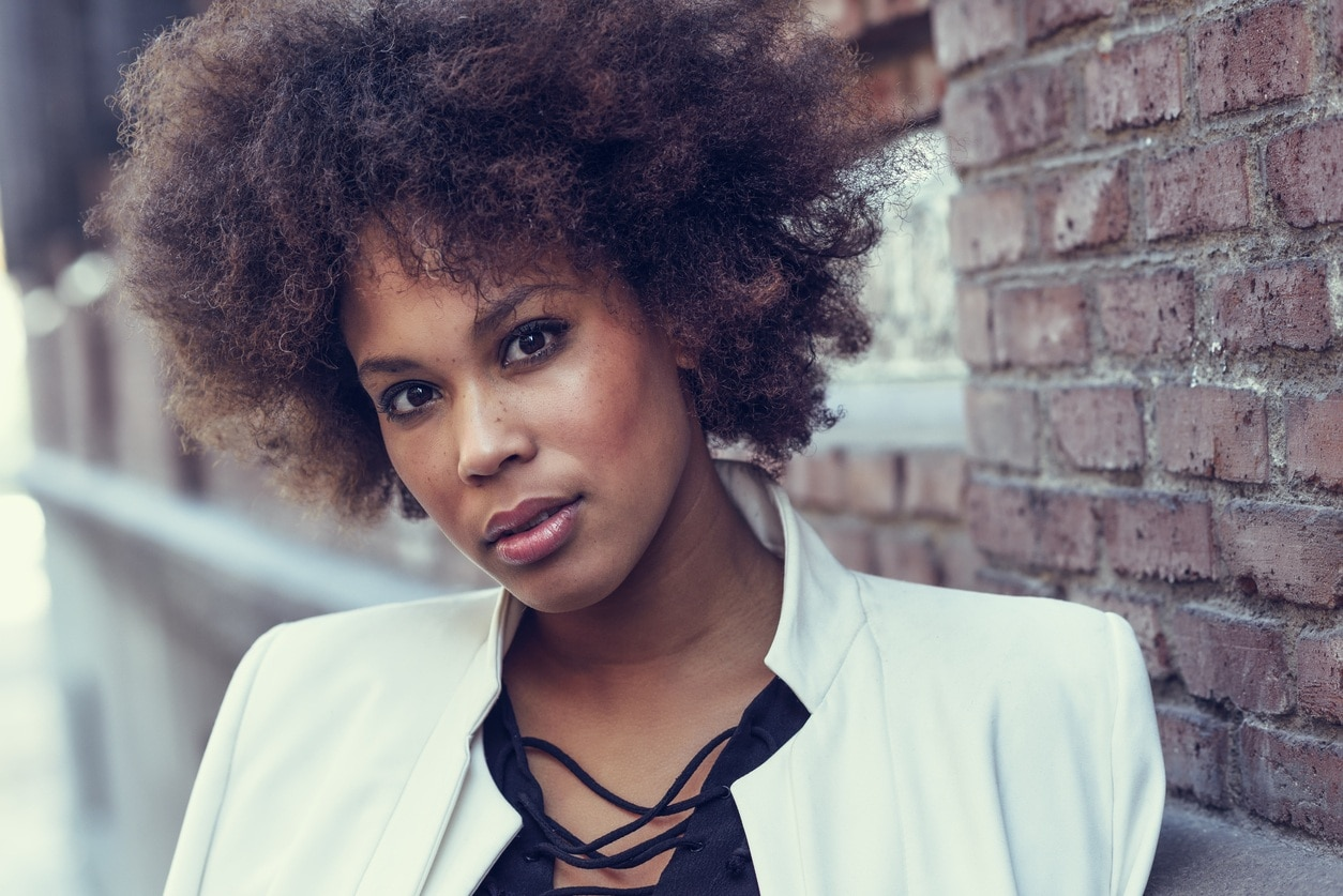 kinky curly hair: afro with color