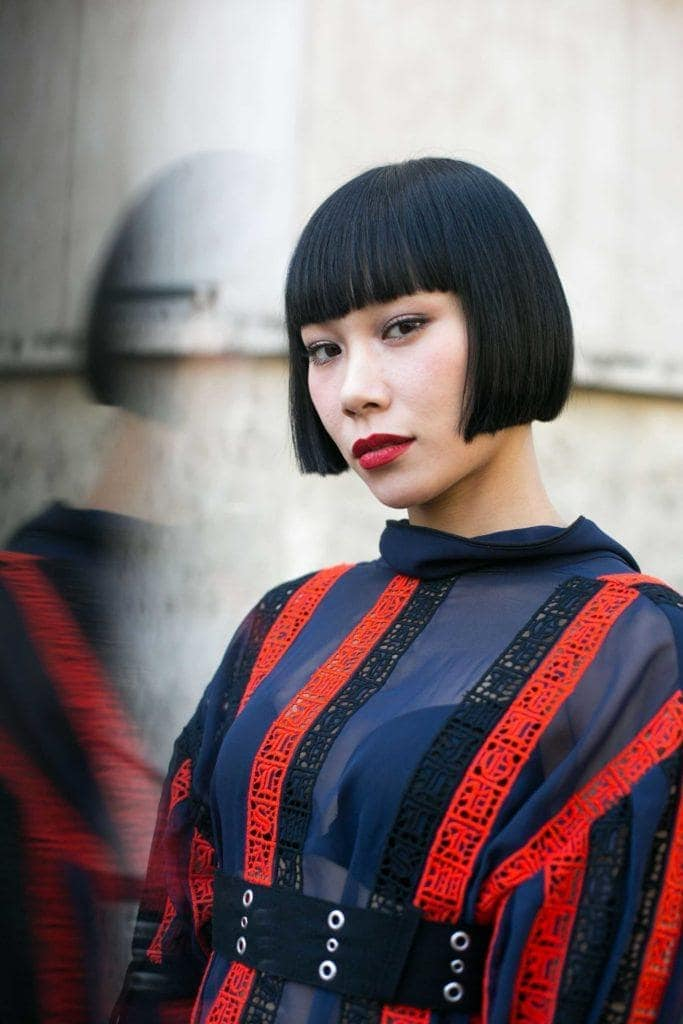 hair color ideas for short hair: jet black
