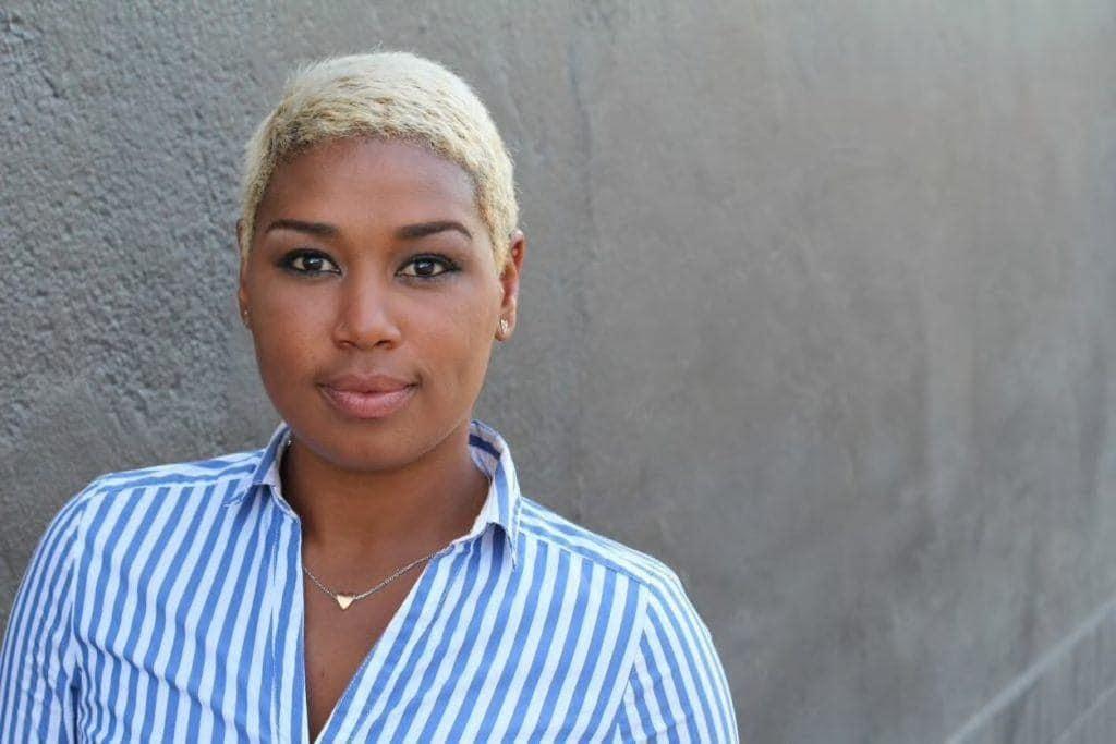 hair color ideas for short hair: platinum blonde pixie