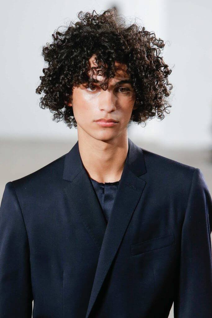 Medium Hairstyles for Men with Thick Hair: 10 Dapper Styles ...